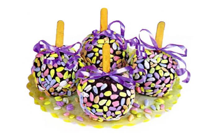 На фото Яблоки в шоколаде