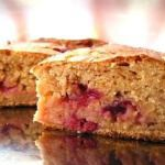 Рецепт Быстрый пирог из кефира и варенья