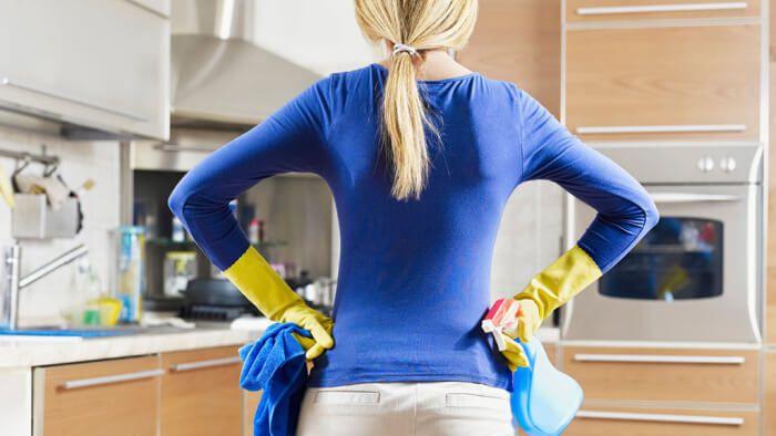 На фото Порядок на кухне помогает меньше есть