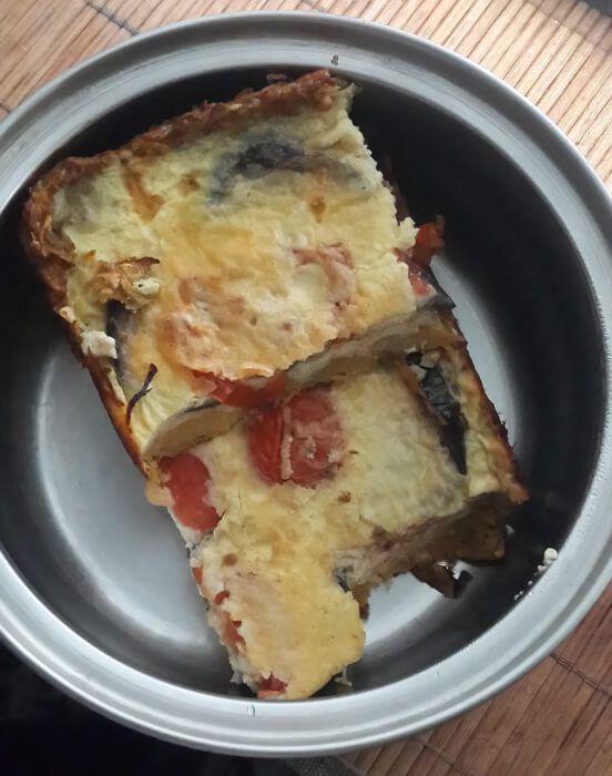 На фото Овощной пирог