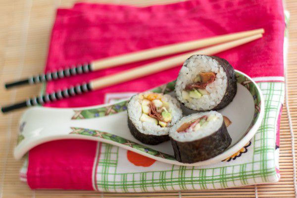 На фото Основные виды суши