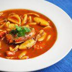 Рецепт Томатный суп с морепродуктами и пастой