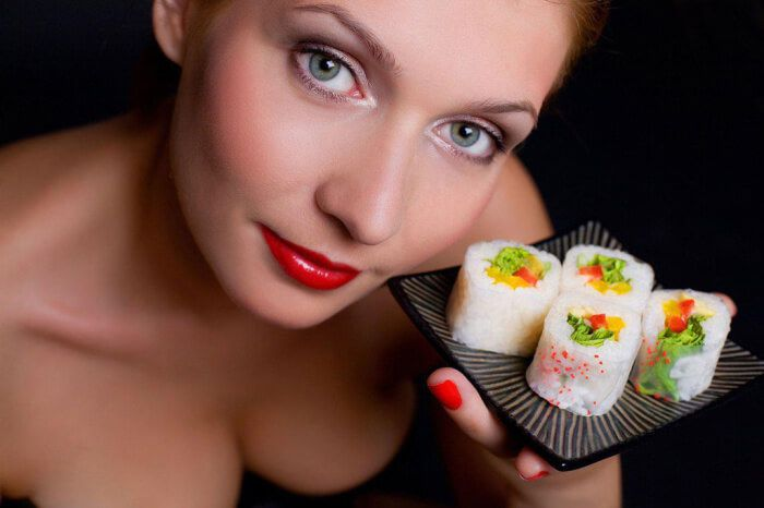 На фото Можно ли есть суши во время беременности