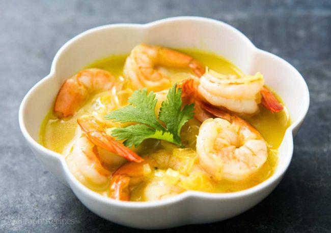 На фото Суп с морепродуктами