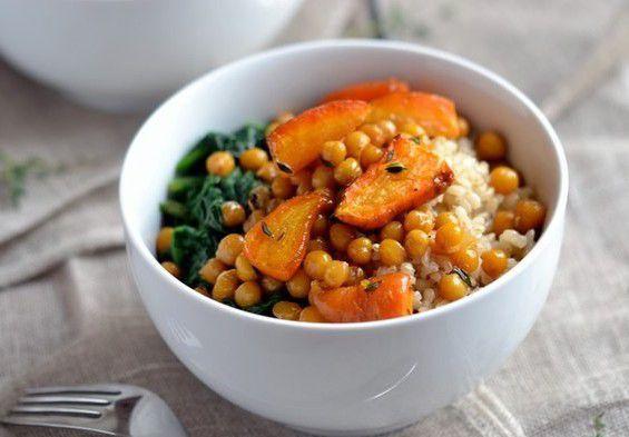 На фото Нут с рисом, морковкой и нотками апельсина