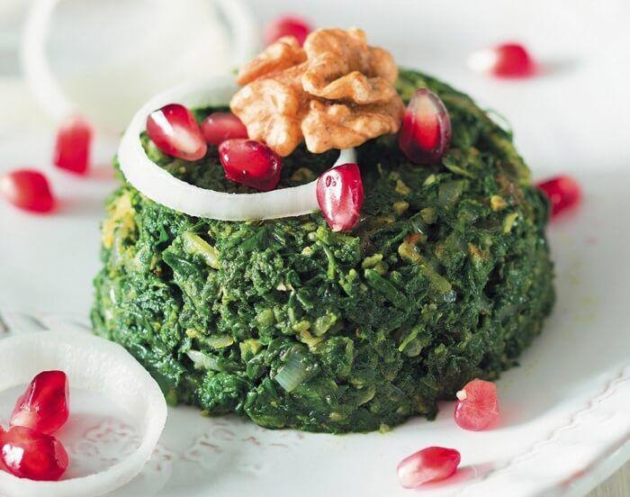 На фото Пхали со шпинатом и грецкими орехами