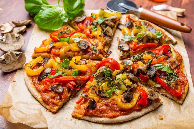 На фото Овощная пицца