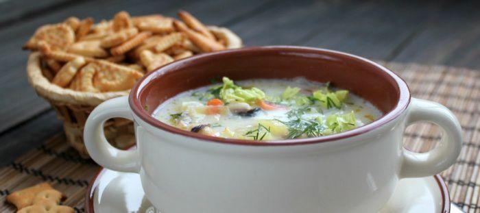 На фото Густой рыбный суп с овощами и сливками (Ватерзой)