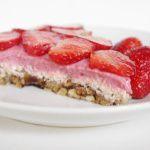 Рецепт Кисло-сладкий клубничный тортик без муки, без сахара, без выпекания