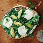 Рецепт Пицца с моцареллой и авокадо (постная)