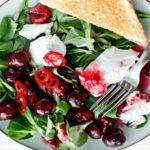 Рецепт Салат из черешни с мягким сыром