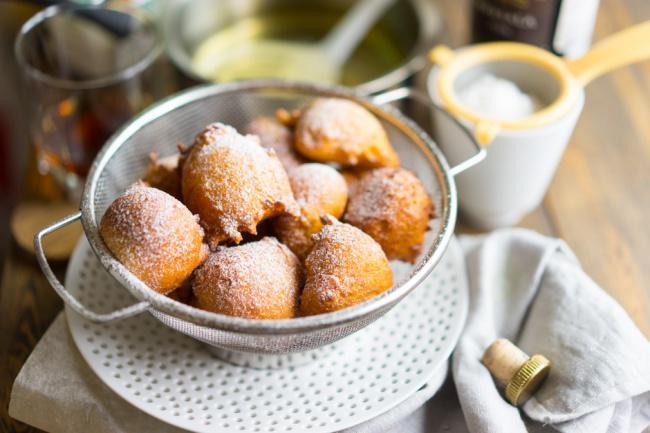На фото Итальянские пышные пончики в домашних условиях