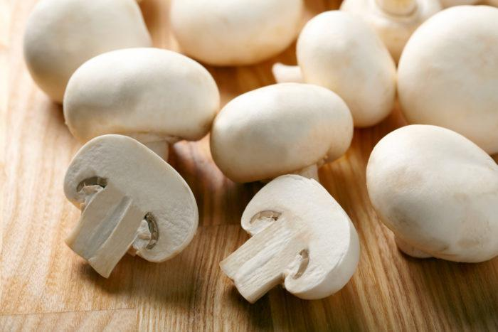 На фото Почему стоит есть грибы