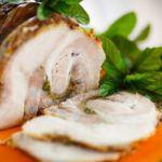 Рецепт Рулет из свинины с грибами и базиликом