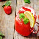 Рецепт Лимонад с клубникой и газировкой