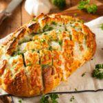 Рецепт Черный хлеб с сыром, запеченный в духовке