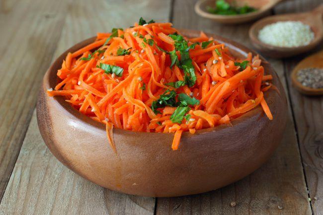 На фото Морковь по-корейски в домашних условиях