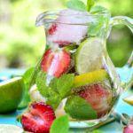 Рецепт Клубничный лимонад с мятой и тархуном