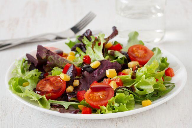 На фото Быстрый овощной салат проще простого