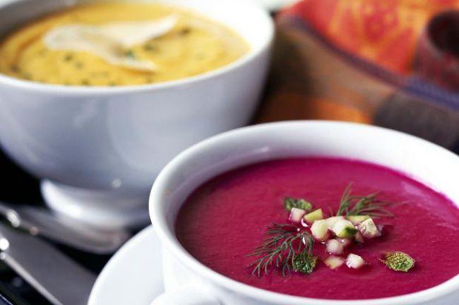 На фото Овощной крем-суп из свеклы