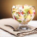 Рецепт Простой фруктовый салат с йогуртом