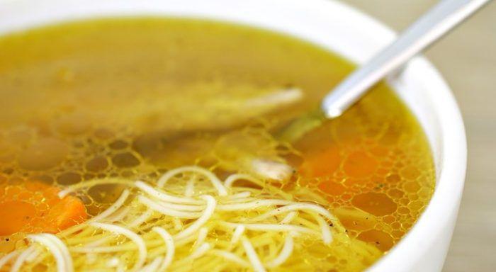 На фото Сколько можно хранить суп в холодильнике