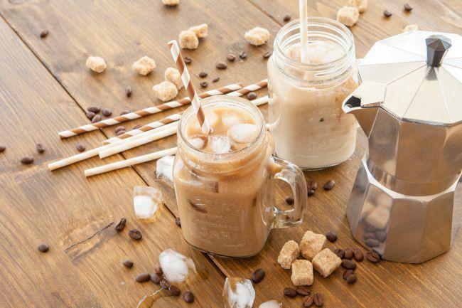 На фото «Инь-ян» — холодный кофе-чай