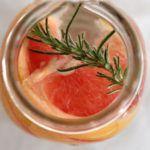Рецепт Как приготовить напиток из грейпфрута и розмарина