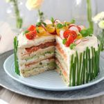 Рецепт Лососевый низкокалорийный торт из творога без выпечки