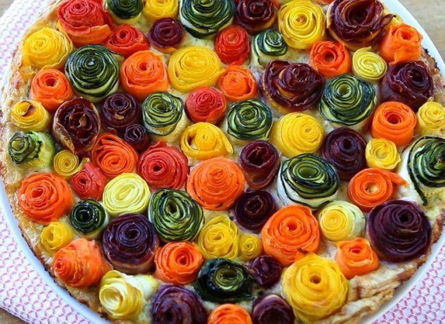 На фото Диетический торт из овощей