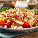 Рецепт Макаронный салат с курицей и помидорами