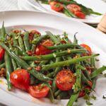 Рецепт Салат с помидорами черри и фасолью
