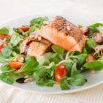 Рецепт Овощной салат с лососем
