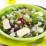 Рецепт Самый вкусный салат с виноградом и сыром