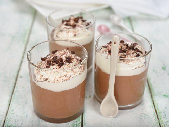 На фото Нежнейший шоколадный мусс в домашних условиях