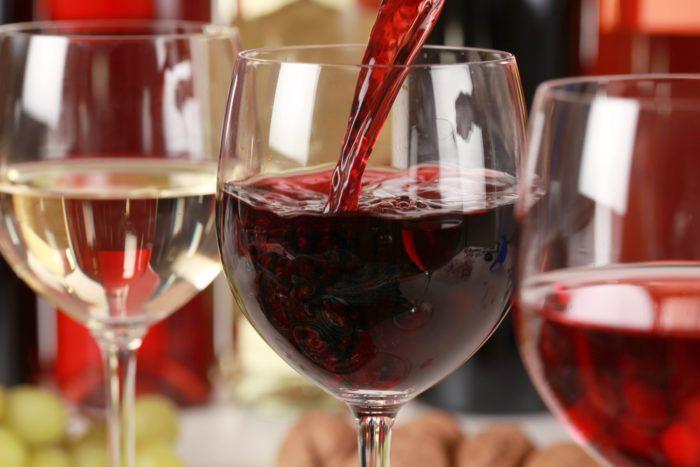 На фото Сколько можно пить без вреда для здоровья