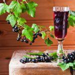 Рецепт Сухое вино из смородины в домашних условиях (простой вариант)