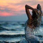 Польза купания в море и океане