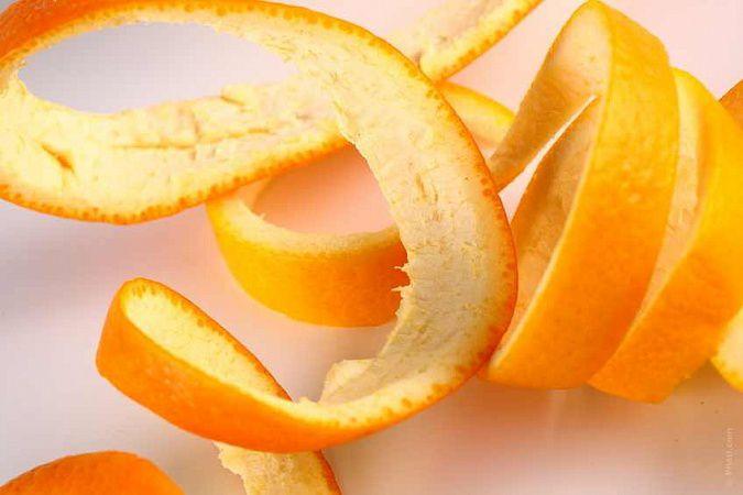 На фото Апельсиновая корка для очищения легких