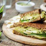 Рецепт Ржаной бейгл с овощами и сыром