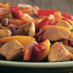 Рецепт Соте из овощей с куриной грудкой и персиком