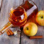 Рецепт Вкусное вино из яблок в домашних условиях (простой вариант)