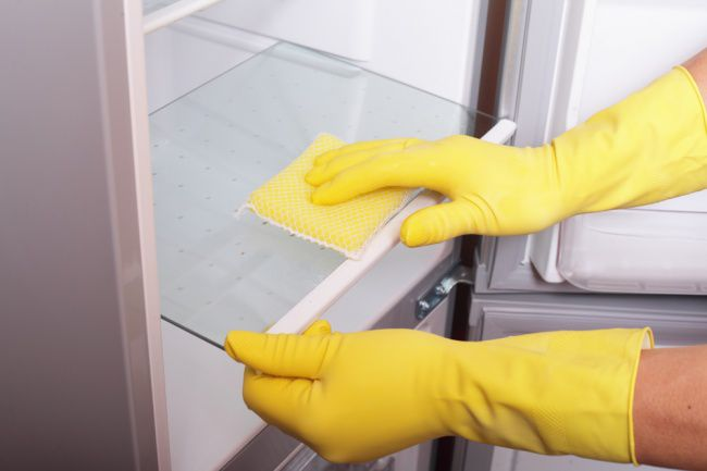 На фото 10 советов, с которыми вы полюбите уборку на кухне