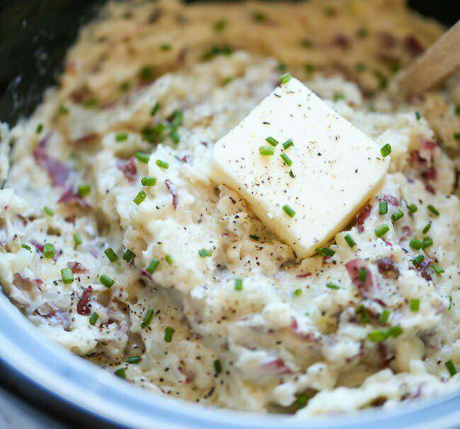 На фото Вкусное пюре из картофеля в мультиварке