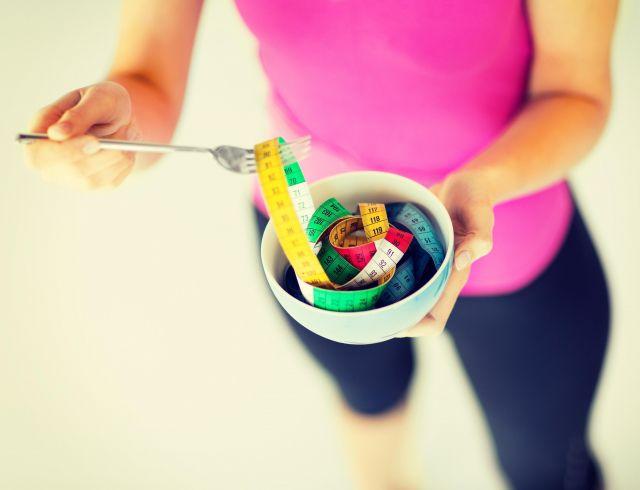 На фото 5 ошибок на пути к правильному питанию