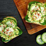 Рецепт Тост жене на завтрак в постель (с авокадо)