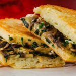 Рецепт Тост любимой с грибами и сыром