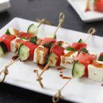 Рецепт Канапе с арбузом, фетой и огурцом