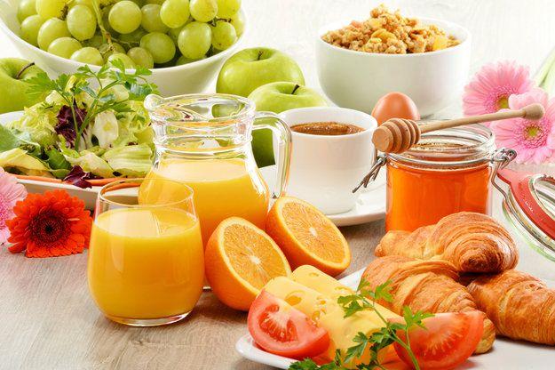 На фото Завтрак: Как составить идеальное меню