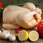 Как и сколько можно хранить курицу в холодильнике и морозилке